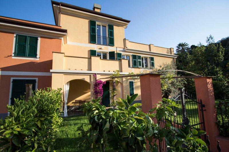 Apartment F - Balcony - Levanto Cinque Terre, vakantiewoning in Legnaro