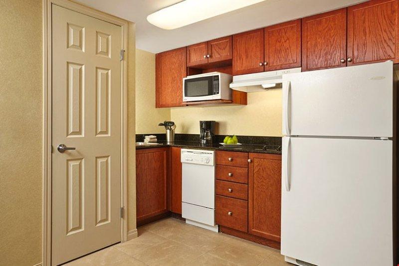 Preparar la cena en 'casa' en esta cocina abierta