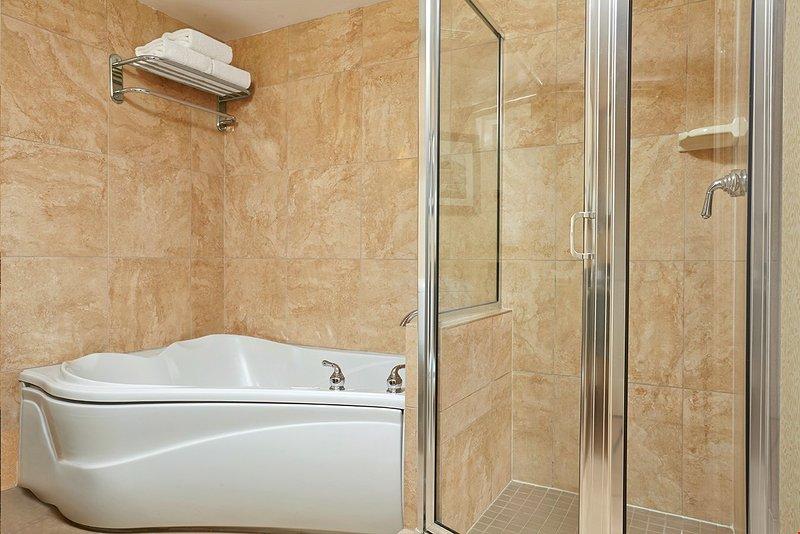Relajarse en la bañera de hidromasaje