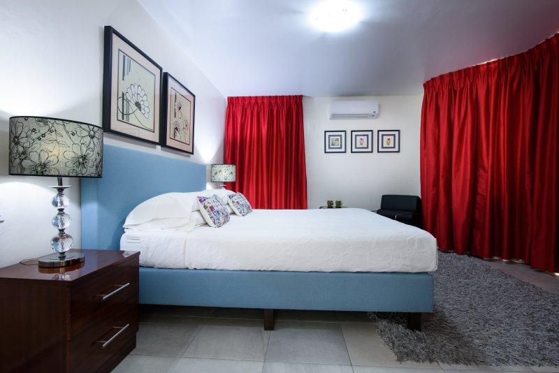 Bedroom 1 - new kingsize bed