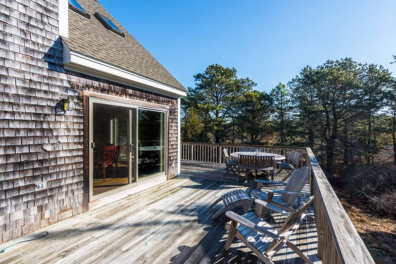 WIDRP - Long Point Beach House, Private Location, Large Wrap Around Deck with Te, holiday rental in West Tisbury
