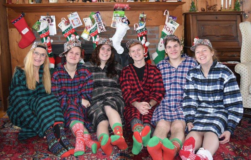 Här är jag med min familj på julmorgon.