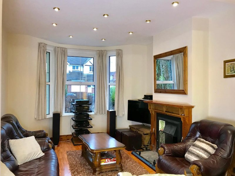 Luxurious, very spacious one bedroom flat, vacation rental in Woodbury Salterton