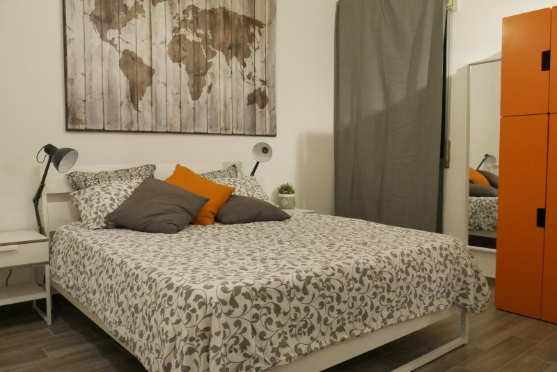 mina's place casa vacanze '25 mq di comfort a Napoli nel cuore del Vomero', vacation rental in Torre Caracciolo