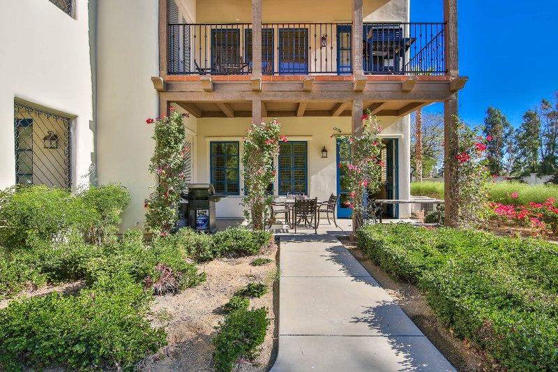 (L71) Best Views at Legacy! Lux Villa w/ Yard, holiday rental in La Quinta