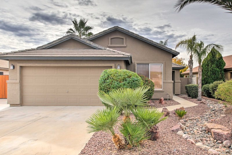 This Peoria home is the perfect destination for your next Arizona getaway!