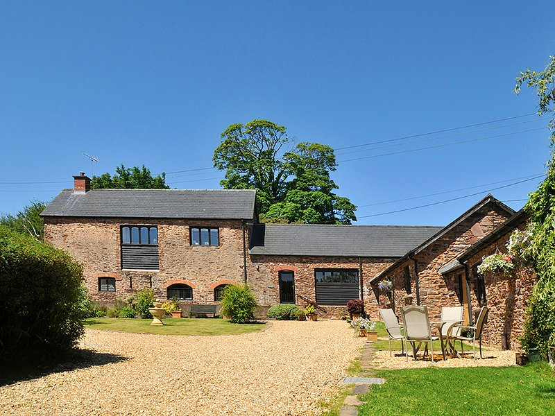 RAINSBURY HOUSE, barn conversion in 16 acres, Wiveliscombe, vacation rental in Exmoor National Park