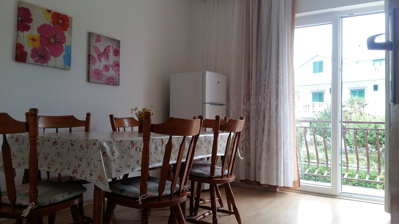 Two bedroom apartment, location de vacances à Palit