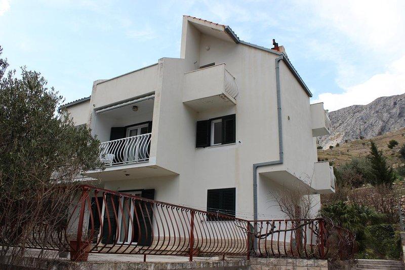 Three bedroom apartment Duće, Omiš (A-11673-a), location de vacances à Duce