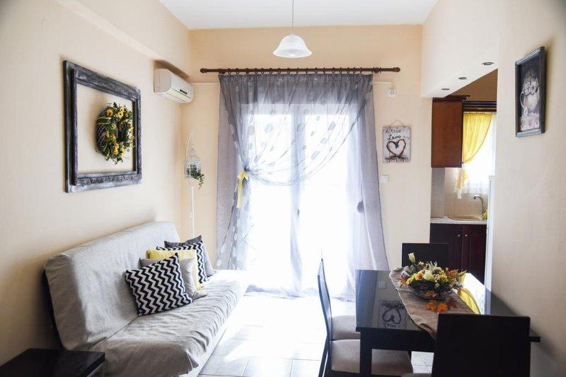 Artemis Breeze Apartments near Athens Airport, holiday rental in Artemida