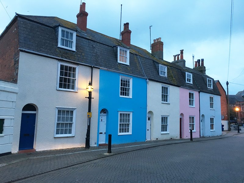 Blue Bay Cottage - Beautiful Cottage near the harbour, holiday rental in Weymouth