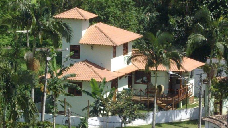 Casa com 3 quartos para até 7 pessoas entre o Centro Histórico e as cachoeiras, vacation rental in Trindade