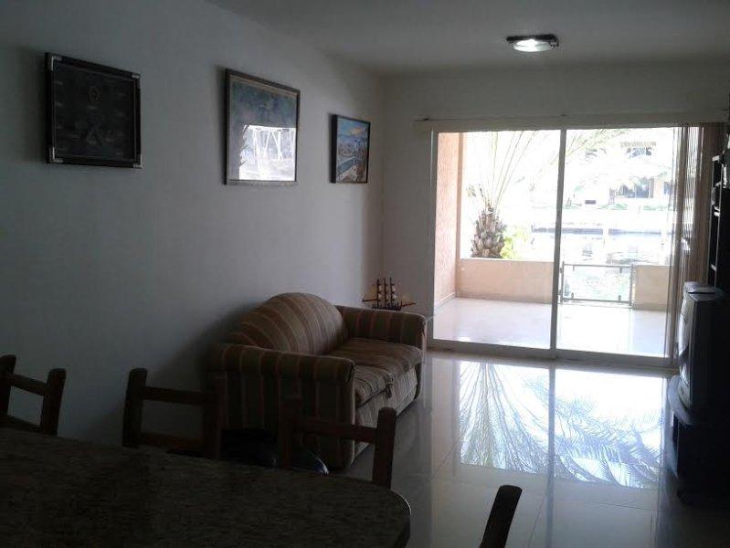 APARTAMENTO DE LUJO 5 ESTRELLAS CON MUELLE PRIVADO PARA YATE, holiday rental in Lecheria