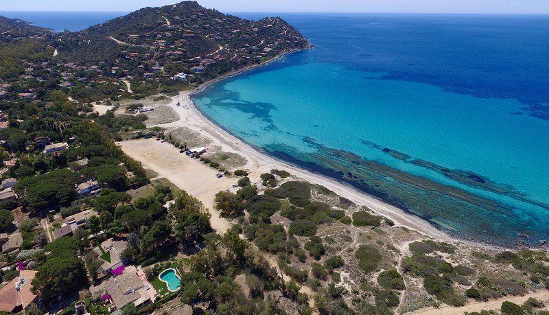 Sardinian Beachfront Authentic Mediterranean Villa - Villa Pounamu, holiday rental in Torre delle Stelle