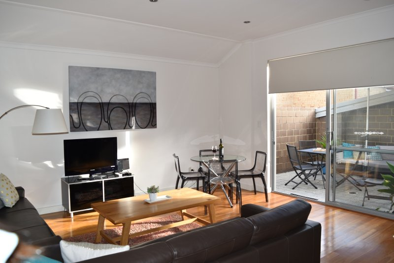 Central Executive Apartment, holiday rental in Scarborough