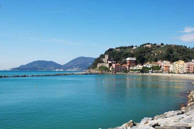 Appartamento golfo di Lerici a 50 mt dalla spiaggi, location de vacances à Pugliola
