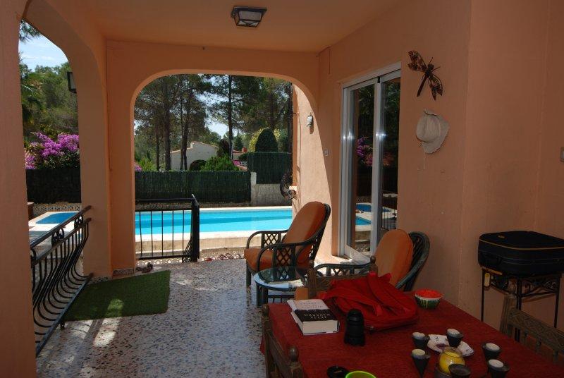 Villa Luminosa, Amplia PREMIUM 7/10Pax WIFI Piscina, vacation rental in Manuel