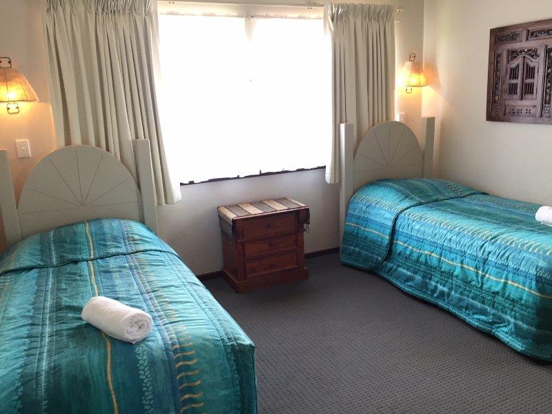 X 2 chambres avec lits jumeaux
