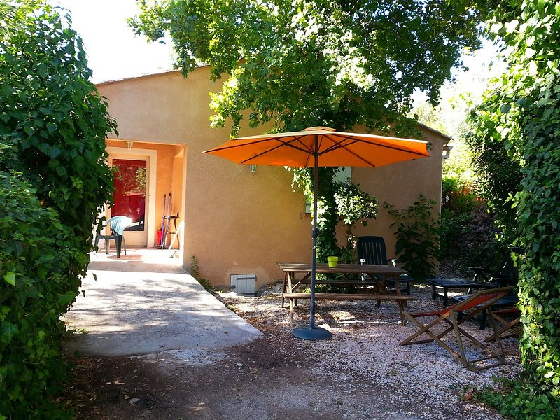 Le Relais du Gapeau : gîte Sarah, villa au cœur de la campagne varoise, holiday rental in Sollies-Pont
