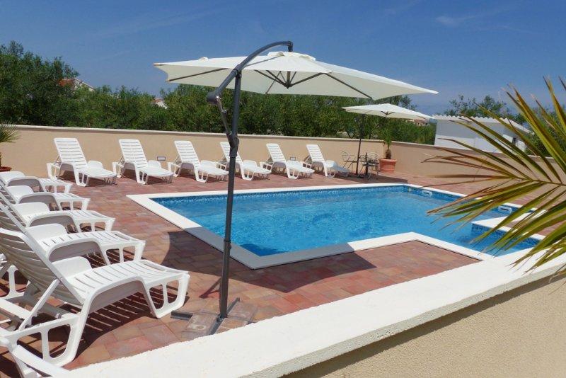 MOOI huis met zwembad