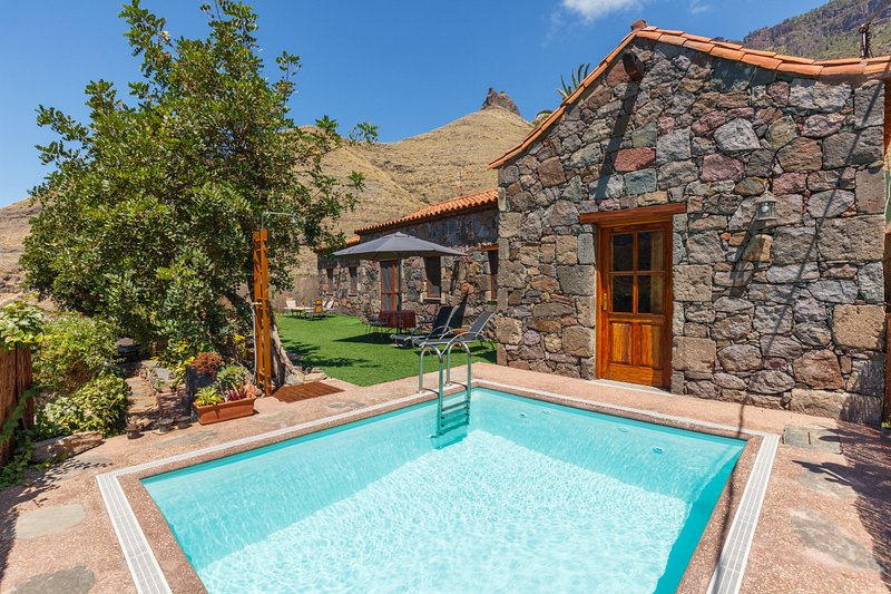 CASA TAMADABA - PRIVATE POOL  beach nearby, hiking in the nature park, holiday rental in Agaete