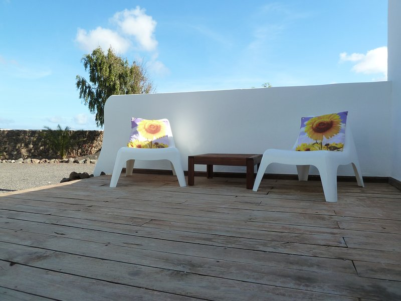 Casa Azul, a cozy getaway in the heart of Lajares, Fuerteventura, wifi, holiday rental in Lajares