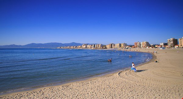 Canet beach 9km