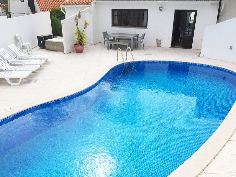 Traditional village house close to Obidos Lagoon, vacation rental in Nadadouro