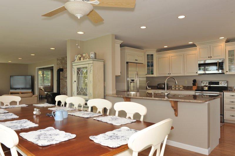 Open Floor Plan, Dining Room view into Kitchen