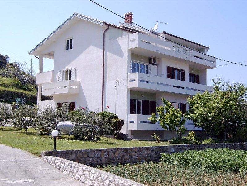 Three bedroom apartment Supetarska Draga - Donja, Rab (A-14152-a), alquiler de vacaciones en Supetarska Draga