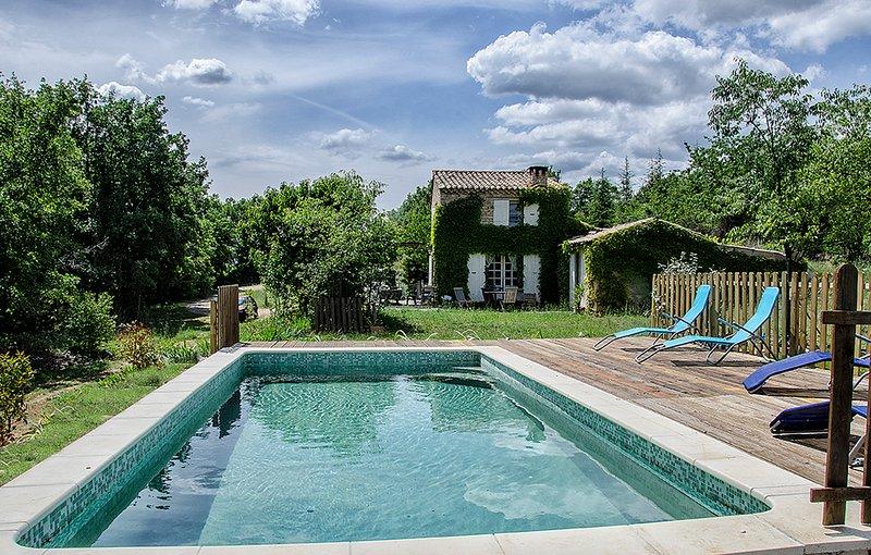 authentique maison provençale, location de vacances à Caseneuve