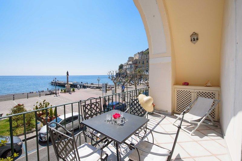 terraço privado com vista para o mar,