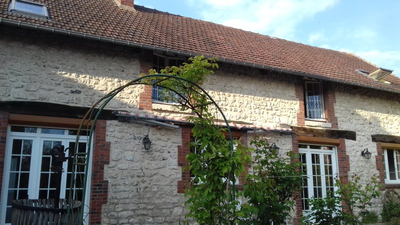 Cosy reformed Cowshed, vacation rental in Saint-Clair-sur-Epte