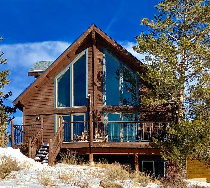 Hermosa casa de montaña con terraza con vistas sobre el valle de las montañas!