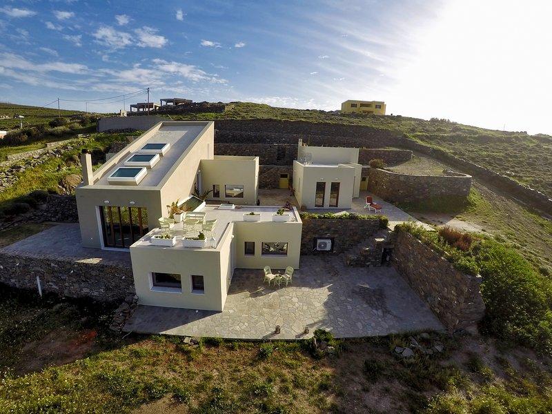 Villa Marenosta-Apartment ARMONIA-Lazareta-Syros, location de vacances à Ano Siros