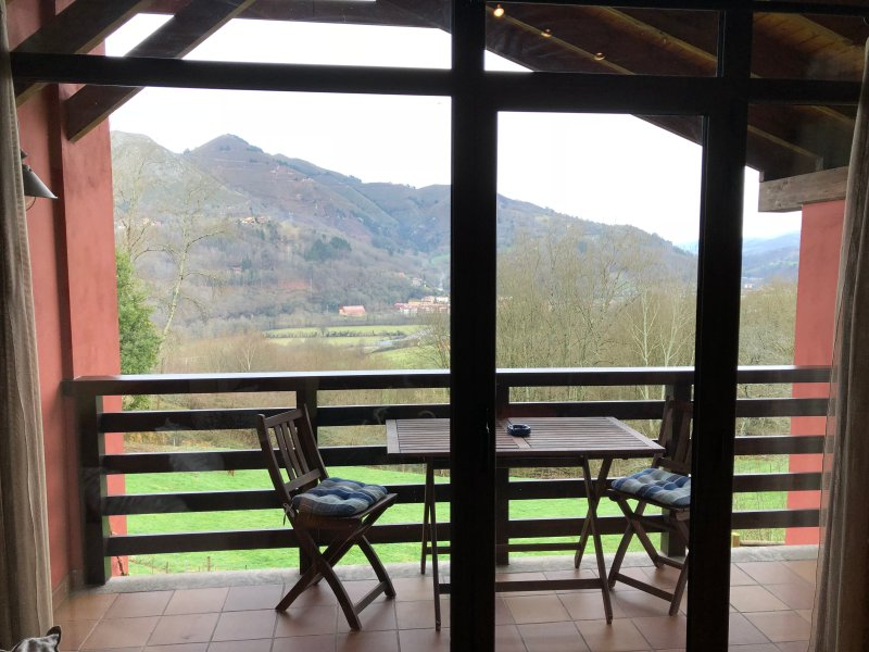 El Llugar 3, Relax y naturaleza a 5 minutos de Cangas de Onís, holiday rental in Coviella