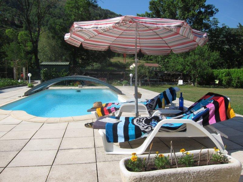 Au verger 06, agréable chambre d'hôtes entrée privée, piscine, holiday rental in Sospel