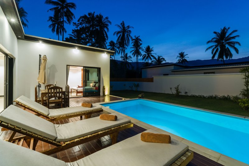 Brand new 3 bedroom villa With private pool, vacation rental in Lamai Beach