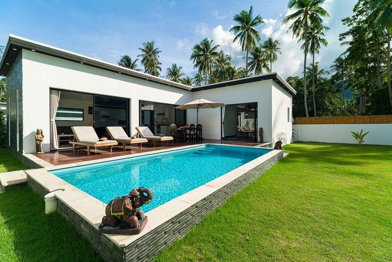 Villa Mona '3BR & private pool' Lamai, holiday rental in Lamai Beach