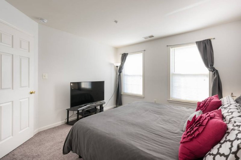 Great place with plenty of space, holiday rental in Temple Hills