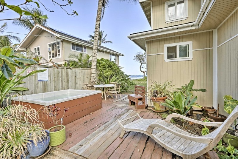 This ground-floor apartment provides access to an oceanfront deck.
