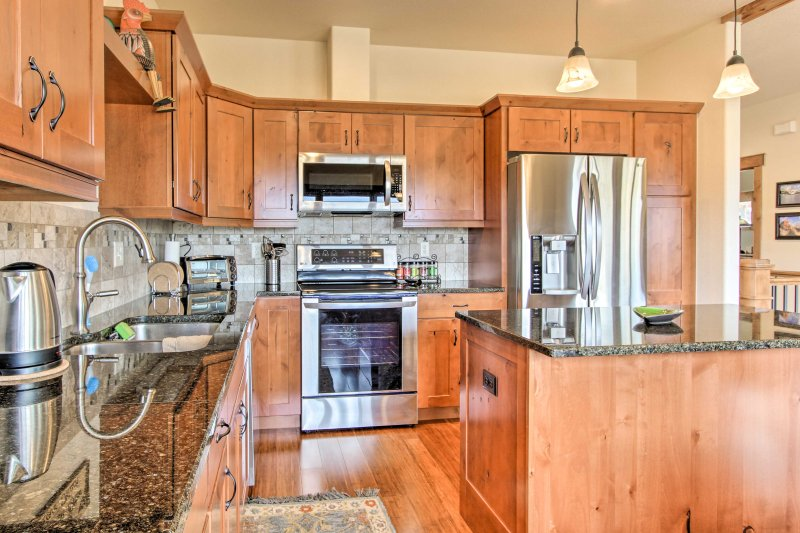 Fully equipped, the kitchen has everything your chef elect will need!