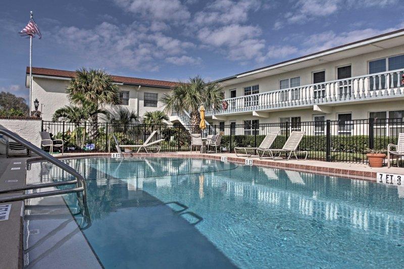 Escape a la soleada Florida en este estudio 1-baño alquiler de Cabo Cañaveral!