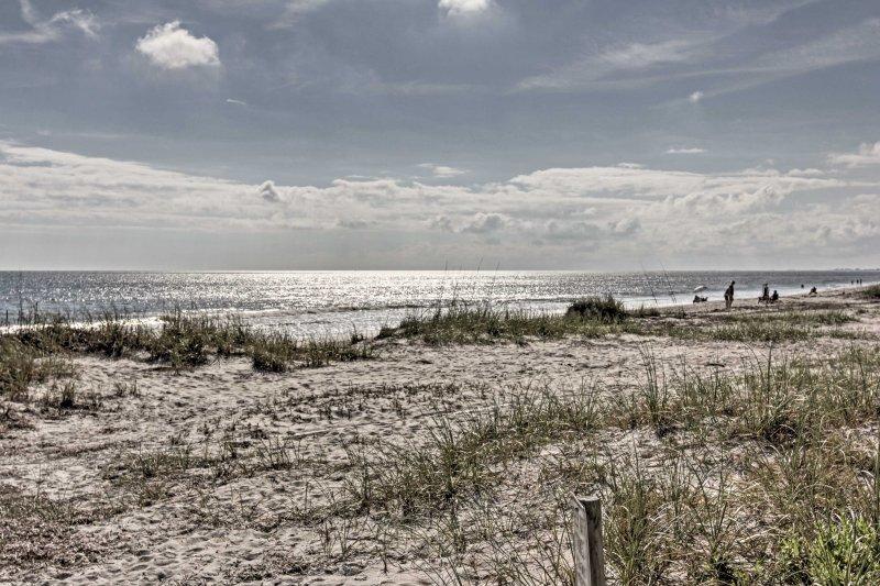 Este condominio es el destino perfecto para su próxima escapada costera!