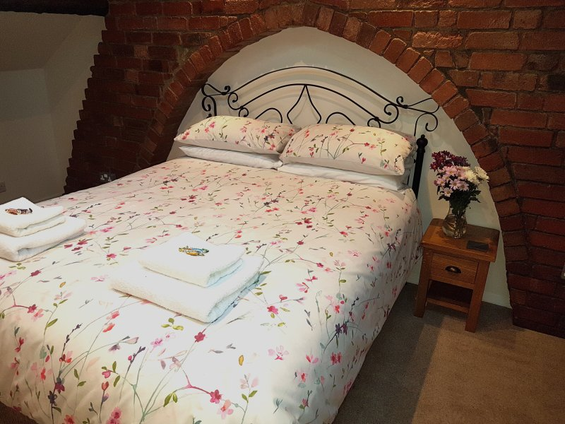 Lyndene Bed and Breakfast Penistone King Size Suite (free wifi), location de vacances à South Yorkshire