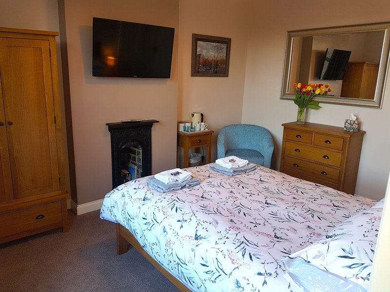 Lyndene Bed and Breakfast Penistone Deluxe Double/Twin Room, location de vacances à South Yorkshire