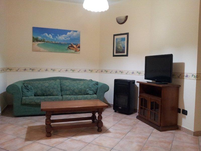 Olbia in zona residenziale tranquilla e rilassante, vacation rental in Olbia