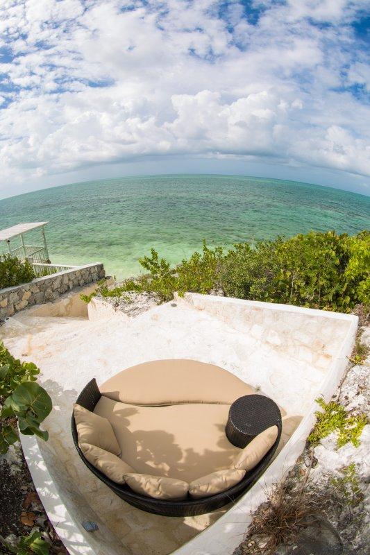 ... você pode desfrutar sendo apenas passos do oceano toda a sua férias!