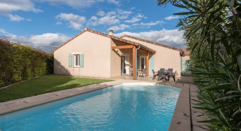 Villa Lavande voor 4 personen met privézwembad, holiday rental in Vallon-Pont-d'Arc