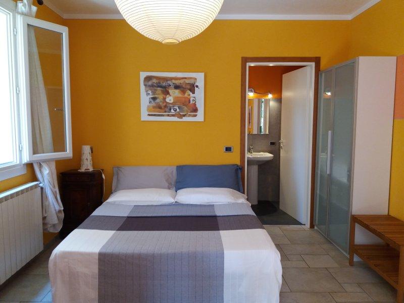 Casa Maria Teresa Camera, vacation rental in Cannero Riviera